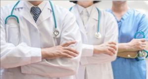 Abortion: Hundreds of healthcare workers oppose new law