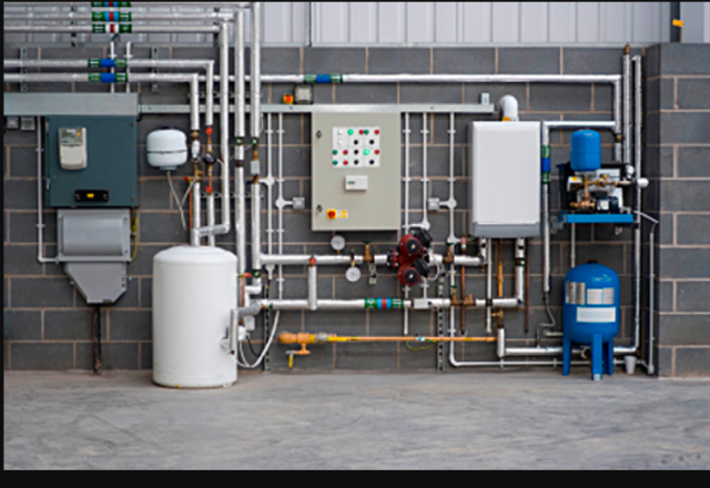 DO YOU KNOW THE DIFFERENCE BETWEEN RESIDENTIAL AND COMMERCIAL PLUMBING